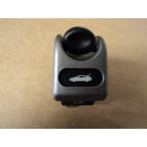 [171066] OPEN TRUNK HOOD BONNET SWITCH (Used)